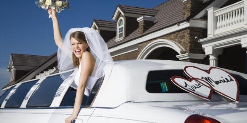 Скидка 20% на аренду лимузина на годовщину свадьбы